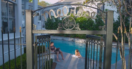 Melrose Mansion: Pool Area