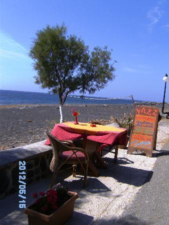 Perissa Black Sand Beach: Eating with a view