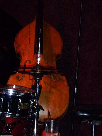 The Jazz Corner: Be prepared for a night with loud jamming music - Great!