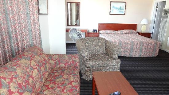 Alpha Inn & Suites: Room 435 $96 taxes included
