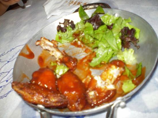 Zorbas Tavern: Dovrebbe essere pollo con una qualche salsina