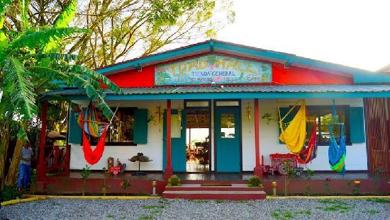 Toad Hall Hotel Arenal: Toad Hall General Store