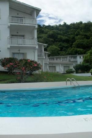 Siesta Hotel: pool area and hotel