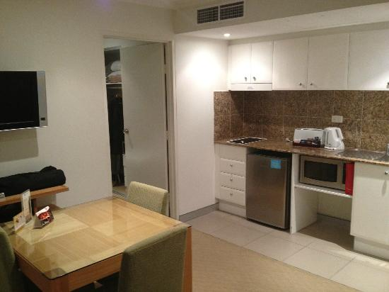 Wyndham Vacation Resorts Asia Pacific Sydney: Living & kitchen area, one bedroom unit