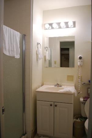 The Jackson Lodge: Bathroom
