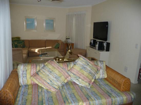 Cloud Nine Luxury Apartments: media area