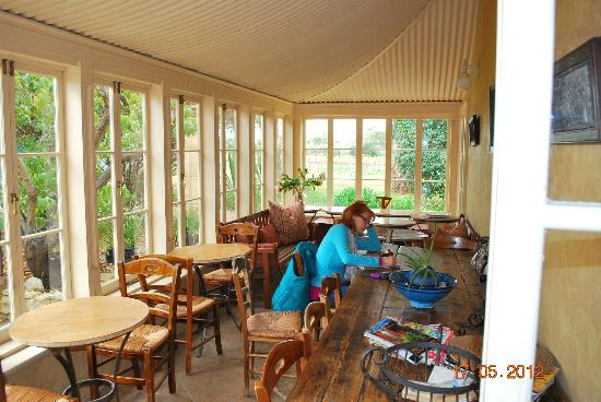 Authenticity Sanctuary Retreat and Transformational Center: Taking over the sunroom