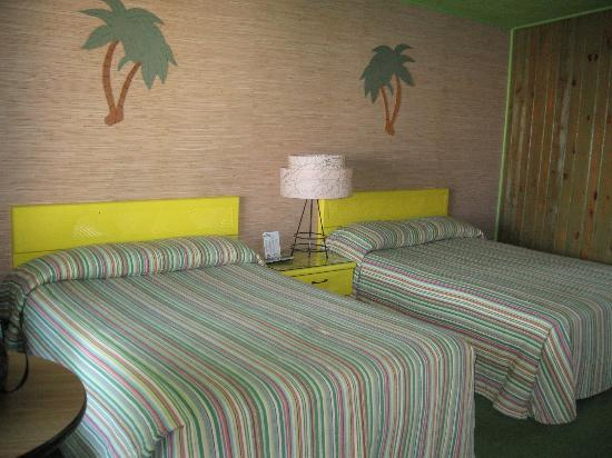 Caribbean Motel: Our beds