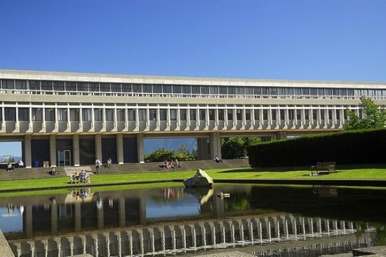 Simon Fraser University: sfu