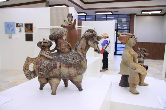 American Museum of Ceramic Art: AMOCA