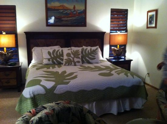 Hale Huanani Bed and Breakfast: comfortable bed