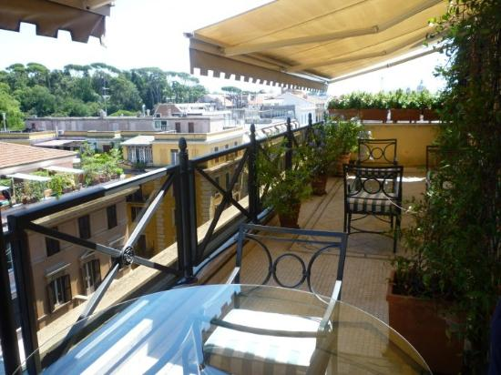 River Palace Hotel : Terrace of the Suite Villa Borghese