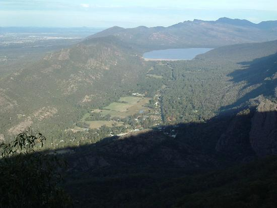 Halls Gap Lakeside Tourist Park : Lake Belifield