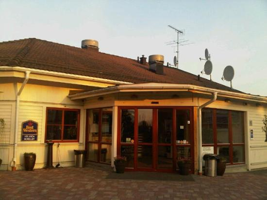 BEST WESTERN Arlanda Hotellby: レセプション&レストラン
