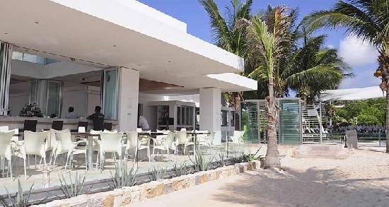 Mamita's Beach Club: Restaurante
