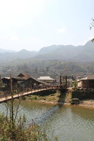 Footprint Vietnam Travel Day Tours: The villages of North Vietnam