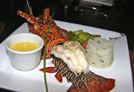 Tadrai Island Resort: Lobster for dinner
