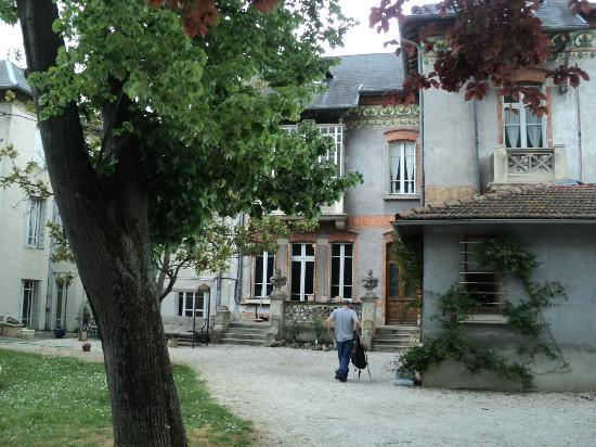 La Maison de Chapelier : La Maison - back view