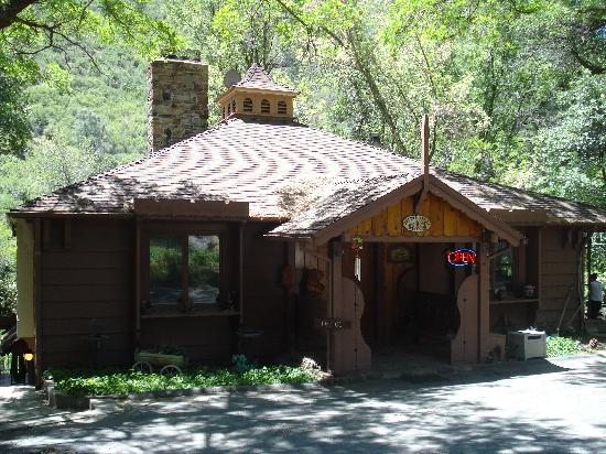 Photo of Durrwood Creekside Lodge B&B Kernville