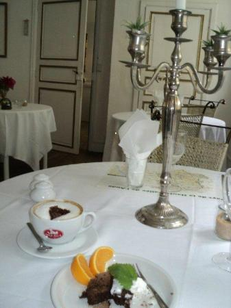 Maison Christina: Elegantly served !