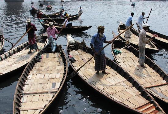 Sadarghat : smaller boats