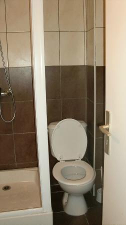 Hôtel Madame Mère : toilettes fort peu accessibles