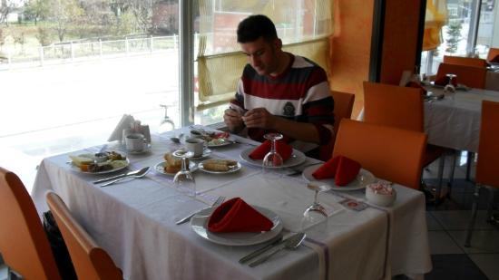 Cimenler Hotel: Otelin Restauranı & kahvaltı Salonu