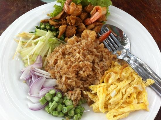 Restaurant at Phi Phi Paradise Pearl Resort: fried rice with shrimp paste