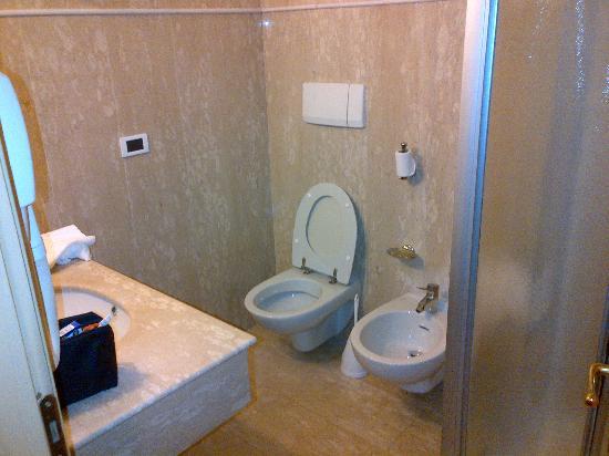 Hotel Bassetto: Bagno