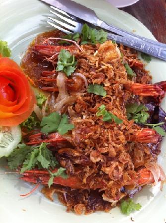 Restaurant at Phi Phi Paradise Pearl Resort: King prawns in tamarind sauce