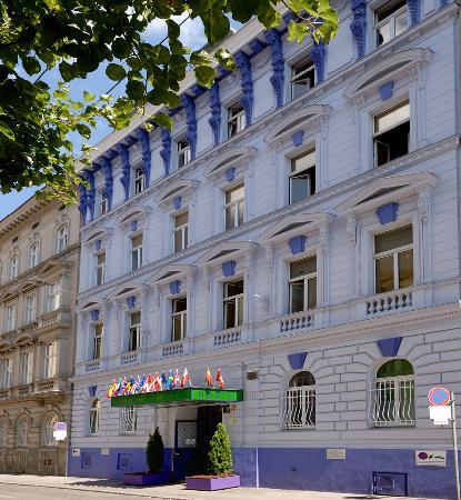 Westend City Hostel