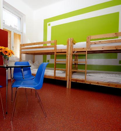 Westend City Hostel: 4 Bedroom