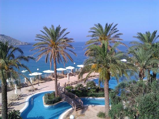 Radisson Blu Resort & Spa, Malta Golden Sands: view from our room - lagoon pool