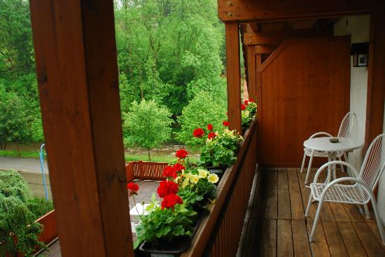 Landidyll Hotel Hirschen: vanaf het balkon