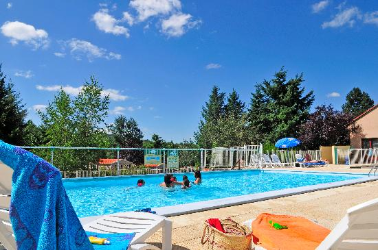 Camping camp ole le val de coise saint galmier france for Piscine de val d europe
