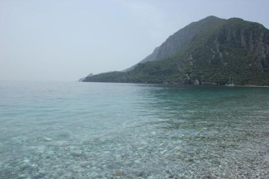 Anatolia Resort Hotel: Stunning beach, but the rocks are a hard on the feet!