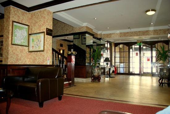 بريتانيا هوتل ولفرهامبتون: Reception area