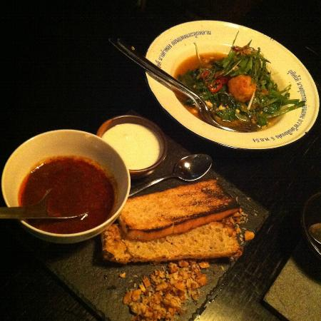 Farang: Thai Roti bread with Rendang curry; Tofu