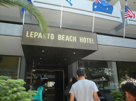 Lepanto Beach Hotel: HOTEL ENTRANCE