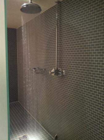 Hotel du Vin & Bistro: Monsoon Shower