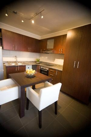 Absolute Farenden Serviced Apartments : Kitchen area