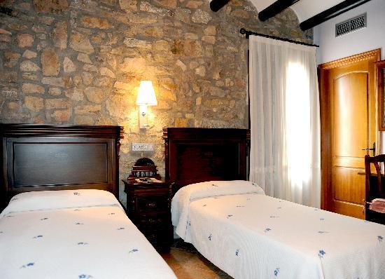 Hotel Restaurant Verdia: Habitación