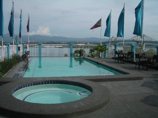 The Bellavista Hotel: pool