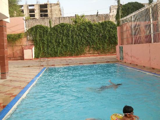 Side Pose With Pool Picture Of Hotel Maya International Jaipur Tripadvisor