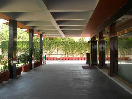 Hotel Maya International: Hotel enterance