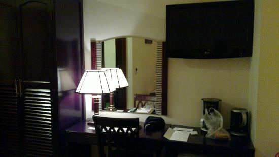 Golden Central Hotel: room