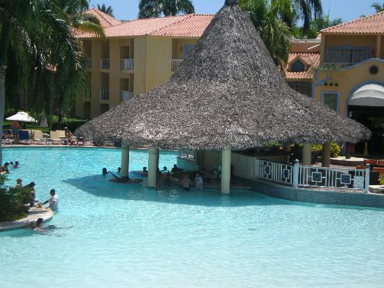 VH Gran Ventana Beach Resort: Pool Bar