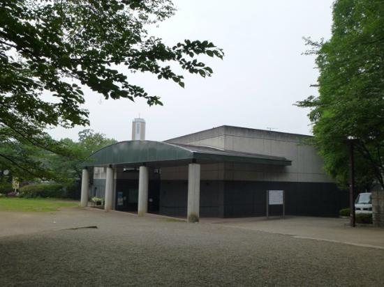 ‪Tamagawadai Park The Ancient Tomb Exhibition Room‬
