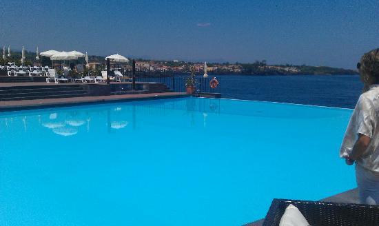 Hotel Santa Tecla Palace: la piscina