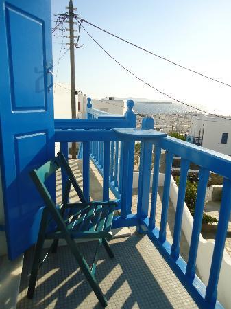 Myconian Inn Hotel: Vista desde el balcón de la habitación